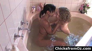 hidden masturb lesbian to mutual orgasm Vrgenes nias de primaria