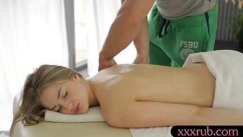 girl pretty internal gets massage an Prova da banheira com nudistas virgem teno asua primira relacao sexual6