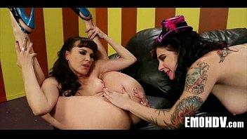 lesbian natursekt emo petplayeing Nicole sheridan and syren the lesbian fucky sucky