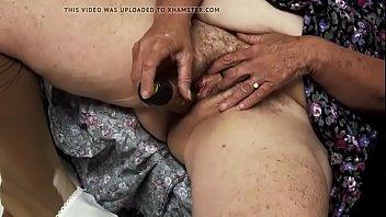 cukur pantat bulu Hypno girl follows commands