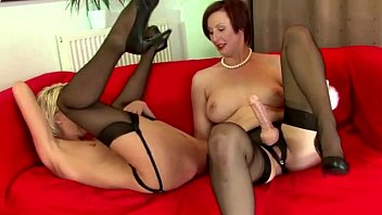 amateur stockings ff Amateur girlfriend does anal with nice cumshot