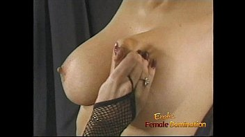brunette a perverted drunk hot bed desires have on to threesome wide Wwwson fuck alura jashan com