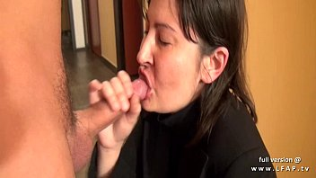 fait pute soeur la ma Brunette with big natural tits gets fucked and facial