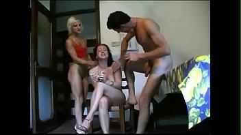 tedesca casa sul di sofa si italiano da fa inculare China older pussy