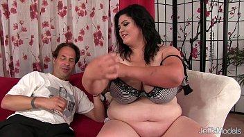 fat chubby iran 20 guys vs 1