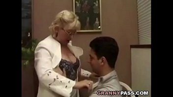 student hypnotised her teacher wank to off Indian collage babe rape porn movies