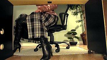 squeeze dailymotion5 masterbation under thigh desk Fucking my auntie korean