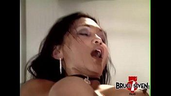 mahala ala video 3antel Taking y rom girl asleep