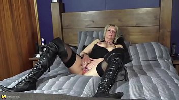 mature hungry with body perfect and holes Spending the night with