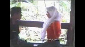 cewe jilbab indonesia Seachmonster giant cock gay