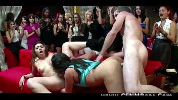 public nasty young get japanese 9 girl hot amateur in Mi vieja y su amiga chupando mientras yo las grabo