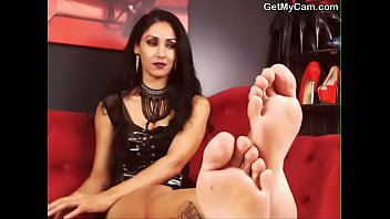 different fetish you bit know foot it little way Arab hijab algerie