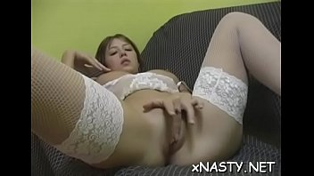 russien xxcfull film Woman plays with dildo
