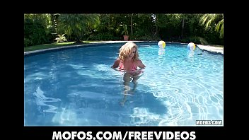 in pool sex big Russian father xx amuteur teaching daughter