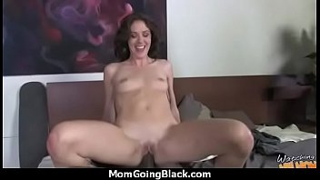 lesbian mom strapon daughter Scarlet young melanie mller