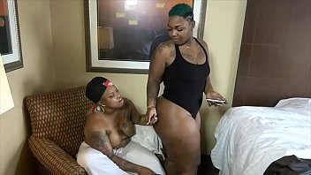 surrenter ultimate vedio Big boobs blwjob