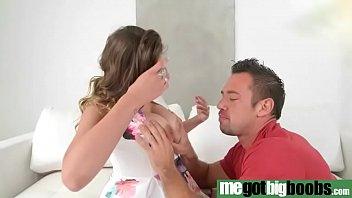 boob the jasmine big in Un rapidito en la cocina con steff