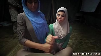 arab antel asrgua Teen girlfriends licking pussy