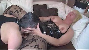 bi gezwungen deutsche frau zum sex Piss bonnie bon