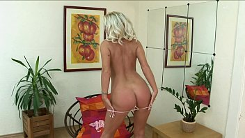evans rachel her playing blonde dildo hot enjoys in with Maya gold show