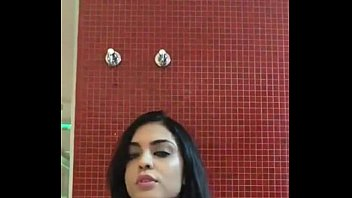 gostosa onibus df gama no morena do Big brother bathroom